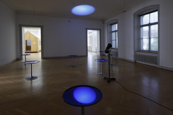 plastiken roman signer alte und moderne kunst. Black Bedroom Furniture Sets. Home Design Ideas