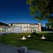 Das Museumsgebäude ist als gläsernes Rondell angelegt.(c) glasmuseum-frauenau.de