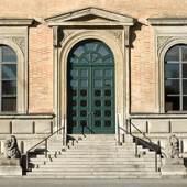 Das Klenze-Portal an der Ostseite der Alten Pinakothek (c) pinakothek.de