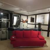 Galerie Rotes Sofa
