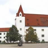 Neues Schloss  mit Statthalterei aus dem 15. Jahrhundert © Bayerisches Armeemuseum