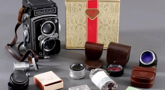 """Spiegelreflex-Kamera, """"Rolleiflex"""", Franke & HeideckeBraunschweig der 50er Jahre, in original Schachtel mit reichlich Zubehör"""