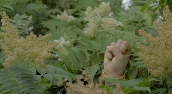 Anna Witt, Empatiachat, 2018, Videostill, 2-Kanal-HD Video, 20.10 min. Farbe, Ton, Courtesy Galerie Tanja Wagner