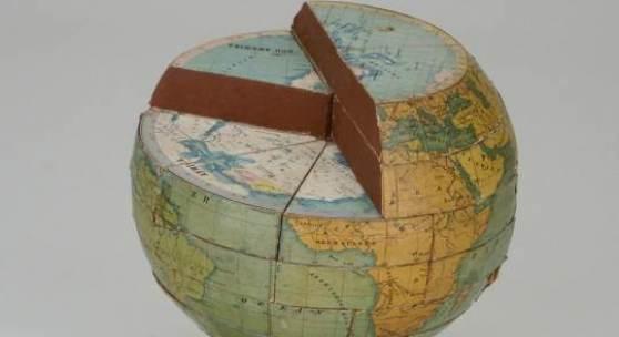 Globus als dreidimenstionales Puzzle Nürnbert (?) 2. Hälfte 19. Jahrhundert Holz, Papier, Farbdruck © Bayerisches Nationalmuseum München