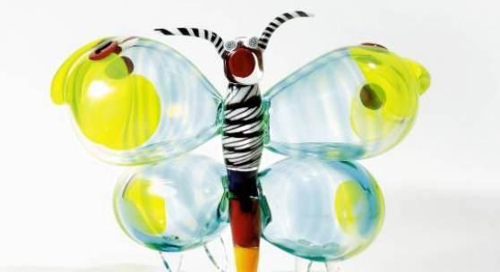 Rosemarie Benedikt Spring Flight, Murano 2012, Glas, Unikat, H 33 cm, B 46 cm, monogrammiert und datiert: B. 2012
