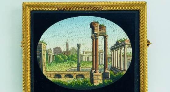 48 MF Brosche Bronze, vergoldet, Glas, Glasmosaik Rom oder Neapel, um 1830 Schmuckmuseum Pforzheim Foto Günther Meyer