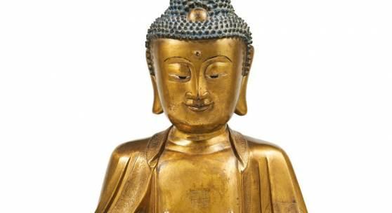 Lot 109 Buddha Shakyamuni (Shijiamouni) China, 17./18. Jh. Bronze, vergoldet, H 50 cm Schätzpreis: € 100.000 – 150.000,-
