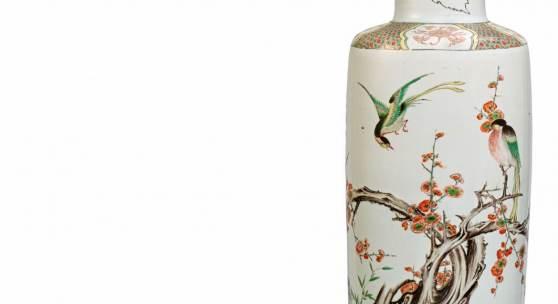 Lot 1415 famille verte-Rouleauvase aus der Kangxi-Periode (1662 – 1722). Ausrufpreis: 70/100.000 Euro