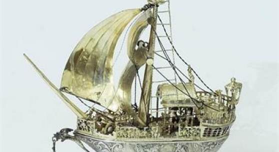 Segel-Tafelschiff (Nef). Ludwig Neresheimer & Co., 19. Jahrhundert, 925er Sterlingsilber punziert, partiell vergoldet.  Limit 1.500 EUR