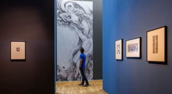 Blick in die Ausstellung Ornament - Ausblick auf die Moderne. Ornamentgrafik von Dürer bis Piranesi im Kunstmuseum Wolfsburg. Foto: Marek Kruszewski.
