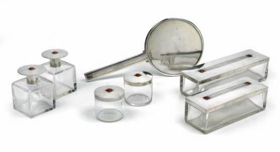 Josef Hoffmann (1870 - 1956) Toilette-Garnitur, Entwurf 1905 für P. Wittgenstein, Auktion 13. Mai 2013, Schätzwert € 50.000 - 70.000