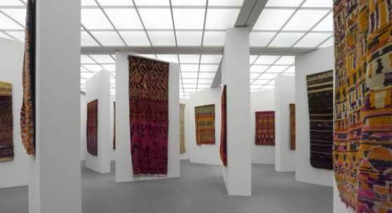 """Ausstellung """"Marokkanische Teppiche und die Kunst der Moderne"""", Die Neue Sammlung - The International Design Museum Munich. © Foto: Rainer Viertlböck"""