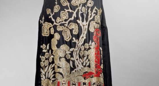 181   Jean Patou Abendkleid (Flapper Dress)  Paris 1925, schwarze Seide  Länge ca. 108 cm  Rufpreis € 1.000