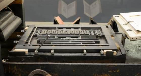 """DRUCKFRISCH """"Klarissa"""": Älteste hölzerne Buchdruckerpresse im deutschsprachigen Raum (Detail), Brixen, um 1550/60, Leihgabe Druckerei A. Weger, Brixen  © Wolfgang Lackner"""