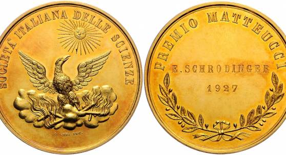 Lot Nr. 536 Auktion 13. November 2019: Gold-Medaille der Societá delle scienze in Gedenken an Carlo Matteucci (1811 – 1868) verliehen an den späteren Nobelpreisträger Erwin Schrödinger, Rufpreis € 5.000