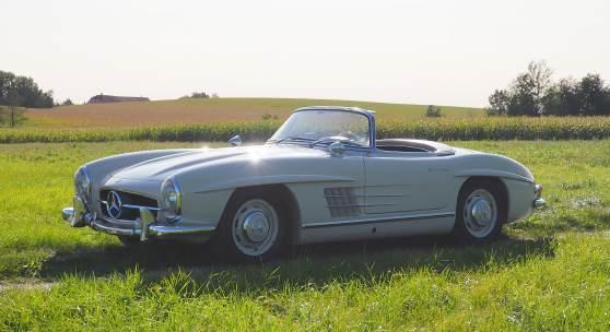 Nr. 79: 1959 Mercedes-Benz 300 SL Roadster mit Hardtop, Schätzwert € 850.000 - 1.150.000