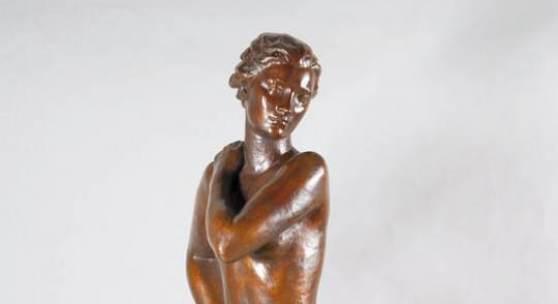 """Kat.-Nr.: 09 6556 Fritz Klimsch, 1870-1960, große Bronzeskulptur, """"In Wind und Sonne"""" signiert Limit: 39.000,-€"""