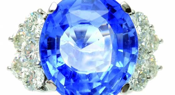 Kat.-Nr. 1016 Saphir-Brillant-Ring 750/-WG, 21.Jh. Schätzpreis 45.000,- EUR