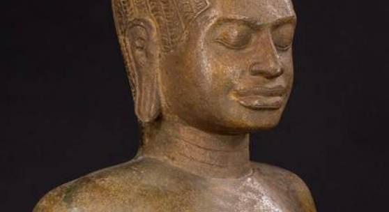 Prajnaparamita. Torsofigur einer stehenden Göttin. Limitpreis: 22.000 Euro