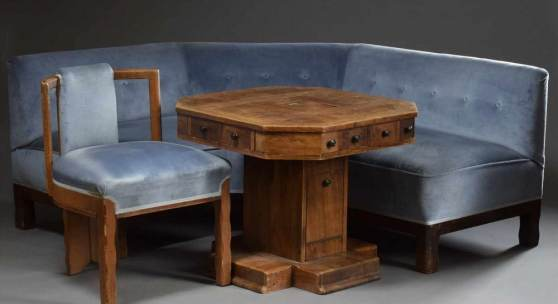 3 Teile Möbel: Eckbank mit hellblauem Velourspolster (72x225x70cm) Aufrufpreis:3.000 EUR