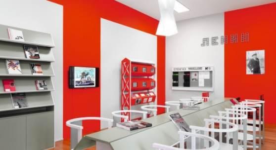 """Ausstellungsansicht: Rodtschenkos """"Arbeiterclub"""" bleibt im Kunstmuseum"""