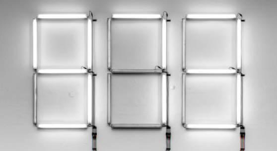 """Thomas Weinberger und Benjamin Zuber """"Quantification set"""", 2018 Leuchtstoffröhren, Kabel, Microcomputer, 600 x 500 cm, Eigentum des Künstlers Foto: Thomas Weinberger"""