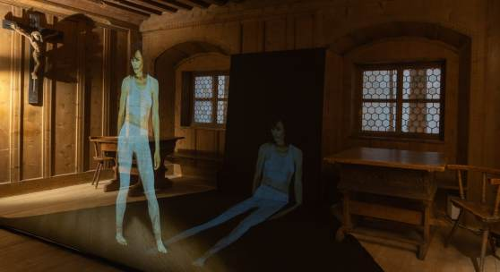 Tanz-Projektion in einer der Stuben des Volkskunstmuseums.  © Wolfgang Lackner
