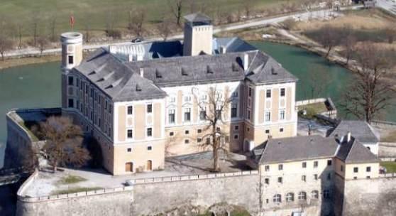 Schloss Trautenfels, Vogelperspektive  Foto: Albert Edlinger