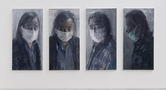 Abbildung: Yan Pei-Ming, Self-portrait with Mask, 2020, Öl auf Leinwand, 4 Panele, je 200 x 100 x 6,5 cm (78,74 x 39,37 x 2,56 in) © Yan Pei-Ming / Bildrecht, Wien 2020. Foto: Clérin-Morin.
