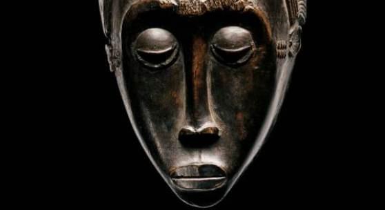 Meister von Essankro Maske mit geteilter Frisur Côte d'Ivoire, Baule-Region, um 1880 Sammlung Dr. Wolfgang Felten Provenienz: Frank Pleasants, New York, erworben 1938