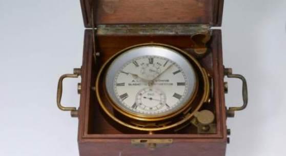 Auf der Gorch Fock I segelte dieser Marinechronometer einst über die Weltmeere. Uhrmachermeister Dirk Dornblüth restaurierte den historischen Zeitmesser und zeigt ihn auf den Kunst- und Antiquitäten-Tagen in Münster.