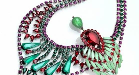 Dior Collier grün-rot, 1968 erzielter Preis € 1.625 Fotonachweis: Dorotheum