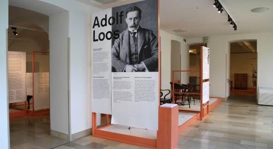 Wagner, Hoffmann, Loos und das Möbeldesign der Wiener Moderne