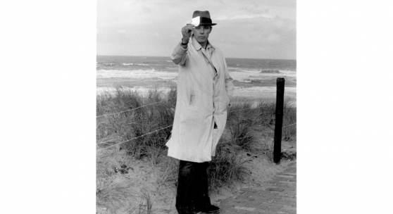 Joseph Beuys, Scheveningen, 1976, Foto: Caroline Tisdall