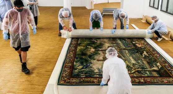 Verpackung einer der Tapisserien nach der Übergabe an die Beauftragten der Erbengemeinschaft  © Bayerisches Nationalmuseum Foto Matthias Weniger