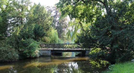 Instandgesetzt: die Wiesenwegbrücke im Park Sanssouci. Foto: SPSG/Grit