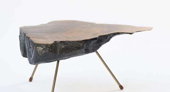 Carl Auböck Beistelltisch 'Brüssel 1958', um 1957 H. 45,5 x 92 x 58 cm. Aufrufpreis:5.000 EUR Schätzpreis:5.000 - 7.000 EUR