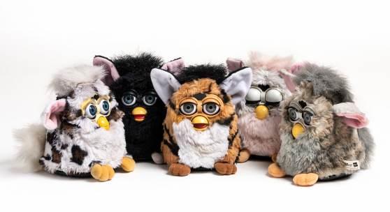 Fünf Furbys, Tiger Electronics Ltd., 1998–1999