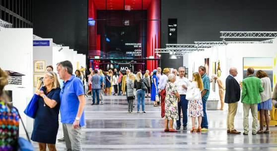 Impression-Art-Bodensee-2018.jpg: Die ART BODENSEE begeistert jährlich zahlreiche Besucherinnen und Besucher aus dem In- und Ausland.  Copyright Udo Mittelberger