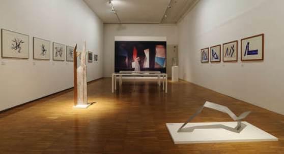 """Ausstellungsansicht, """"von 2 auf 3"""", Foto: Universalmuseum Joanneum/J.J. Kucek"""