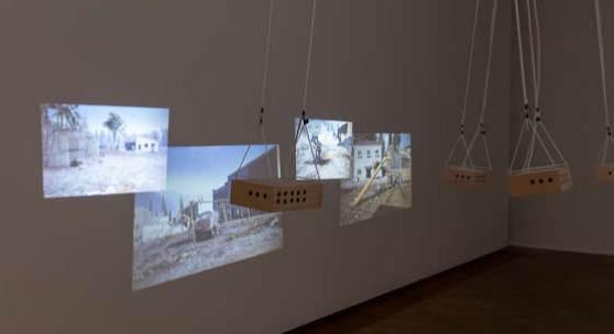 "Total Refusal, ""Swings don't Swing"", 2019, 4-Kanal-Videoinstallation, Holzboxen, Seile, Elektromotor, Foto: Leonhard Müllner"