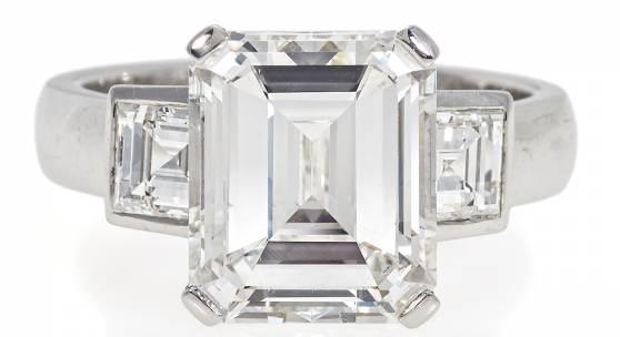 Diamant-Ring Deutschland   Um 1990 750/-Weißgold 1 Diamant im Emerald Cut ca, 5,02ct   G   VS1 Taxe: 90.000 - 100.000 Euro