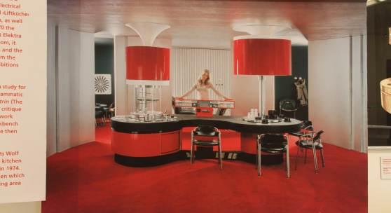 Hofmobiliendepot finale der ausstellung k chen m bel for 70er wohnzimmer