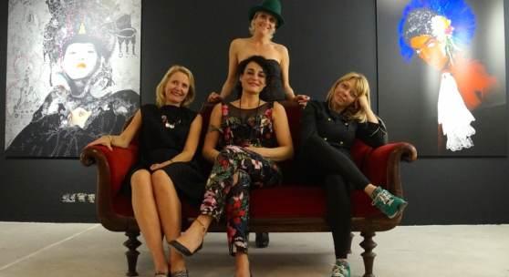 v.l.n.r.: Gesa Noormann, Nadira Linnartz, Giulia Visci, Donja Rahimzadiany (stehend)
