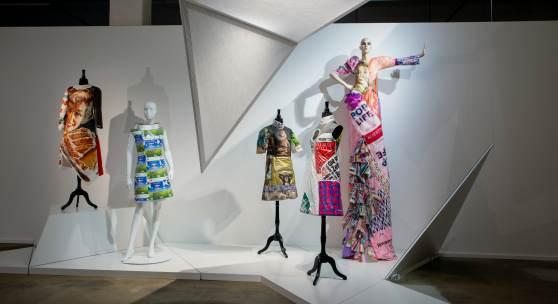 Zum Konsum verführt – Einblick in die Ausstellungseinheit zum Zustand der Konsumkultur. Foto: Sven Betz