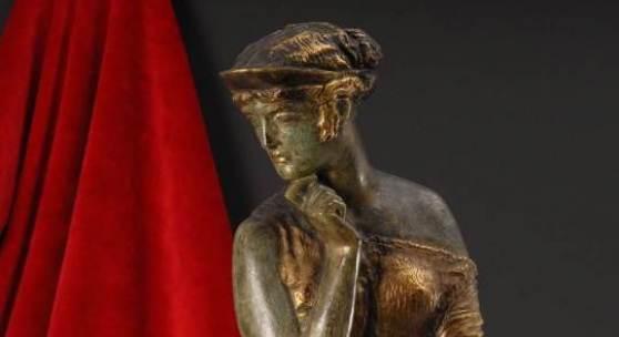 """Kat.Nr.: 1850, Limit: 9.000 € Stuck, Franz von: """"Helena"""". Seltene Bronzefigur."""