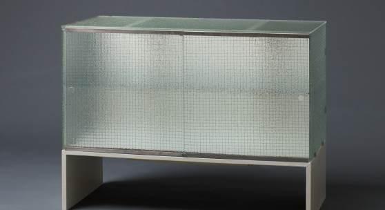 Gerrit Rietveld: Drahtglas-Kommode
