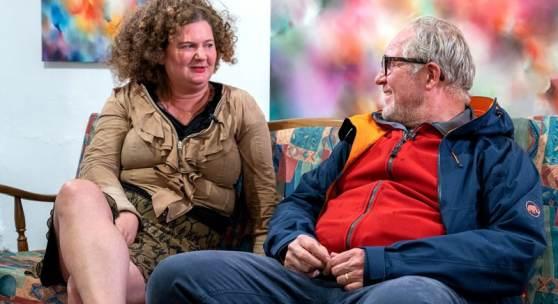 Harald Krassnitzer im Gespräch mit der Gmünder Gastkünstlerin Rhea Standke, Foto: © R. Krämmer