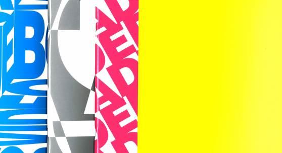 Cornelia Lauf, Hg., Heimo Zobernig, drei Bände in Schuber: Heimo Zobernig [Blue Box Video]; Heimo Zobernig – Atlas; Ferdinand Schmatz / Heimo Zobernig – Die Kunst der Enzyklopädie, Galleria Civica di Modena, Paris: Onestar Press, 2008