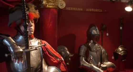 Landsknechtsrüstung und Turnierharnisch aus der Sammlung Klingbeil in der Residenz München. Copyright Hermann Historica oHG 2012